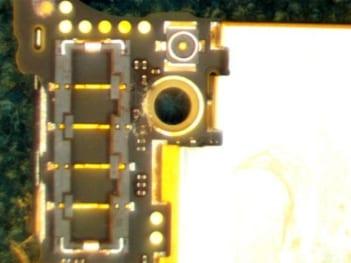 iPhone Batterie Konnektor nach chemischer Reinigung
