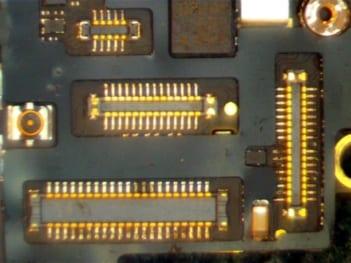 iPhone Konnektor nach chemischer Reinigung