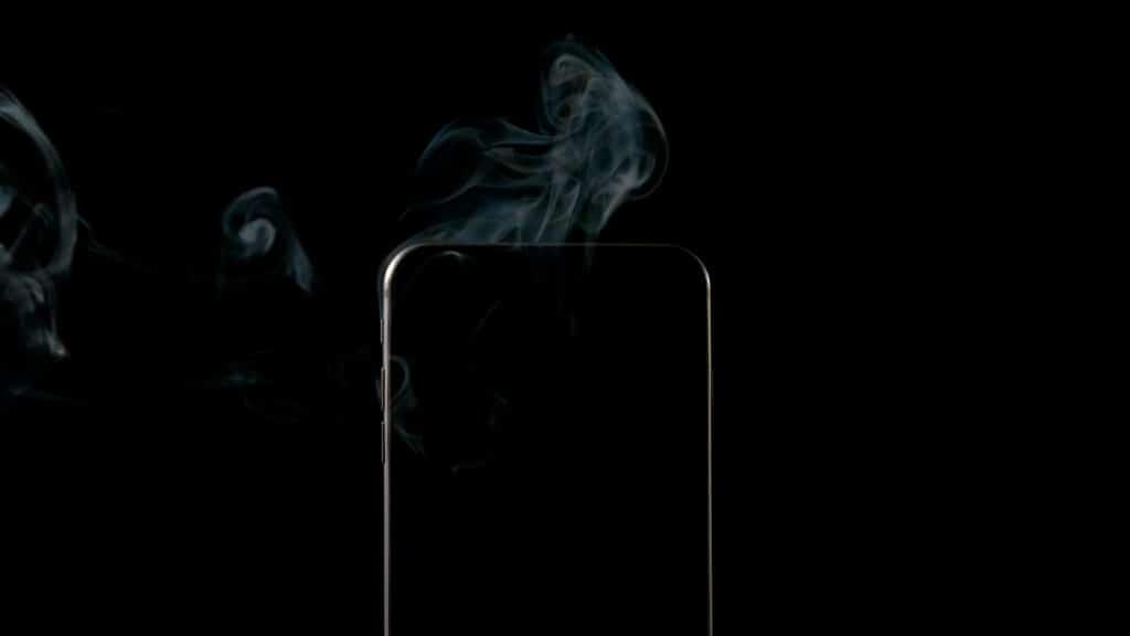 iPhone Kurzschluss auf der Platine